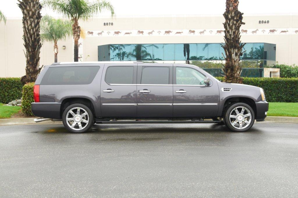 Escalade 6 Door